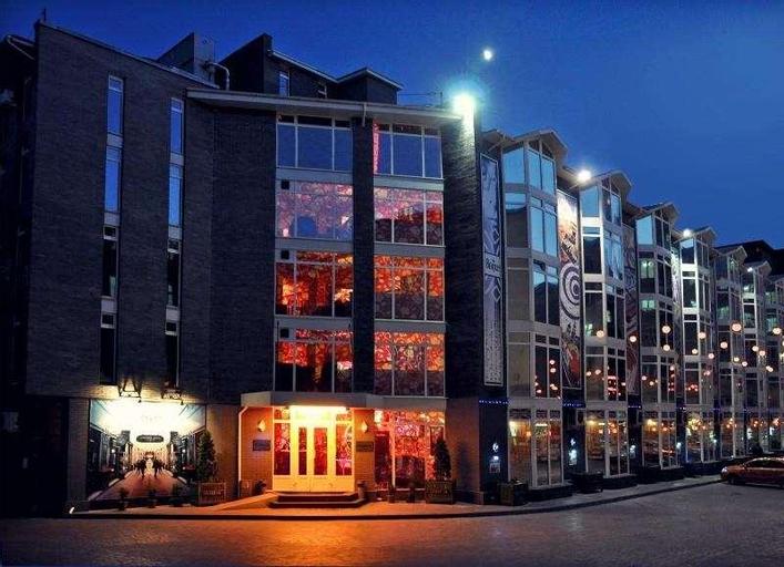 Liverpool Hotel, Donets'ka