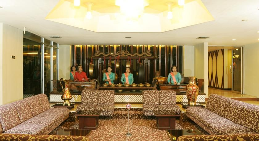 Elmi Hotel Surabaya, Gresik