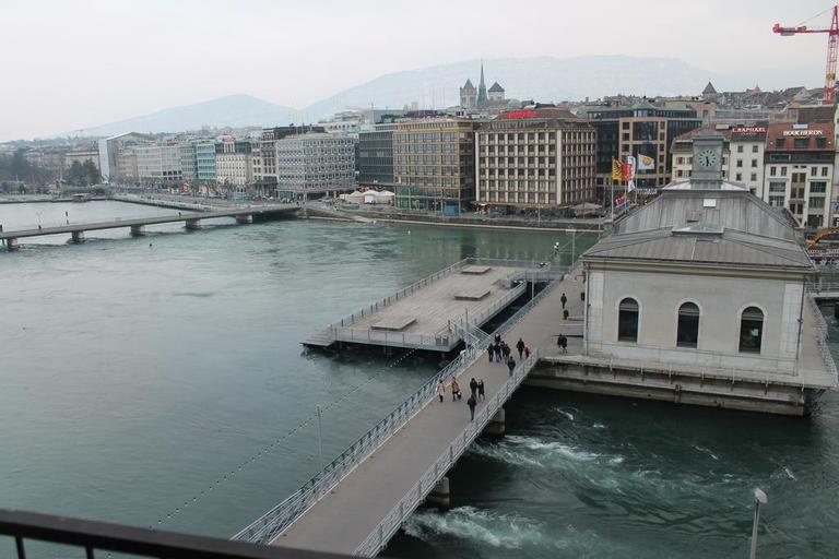 The Ambassador, Genève