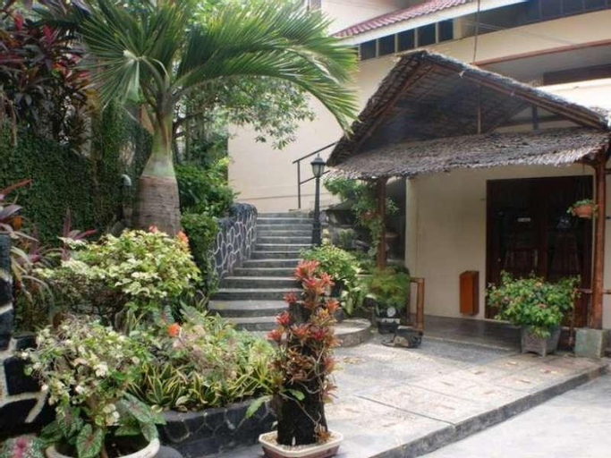 Smiling Hill Guest House & Apartments, Batam