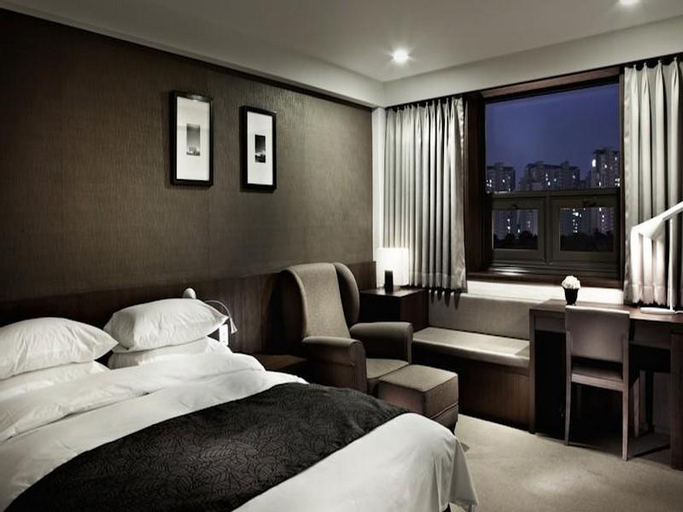 Hotel Castle, Suwon