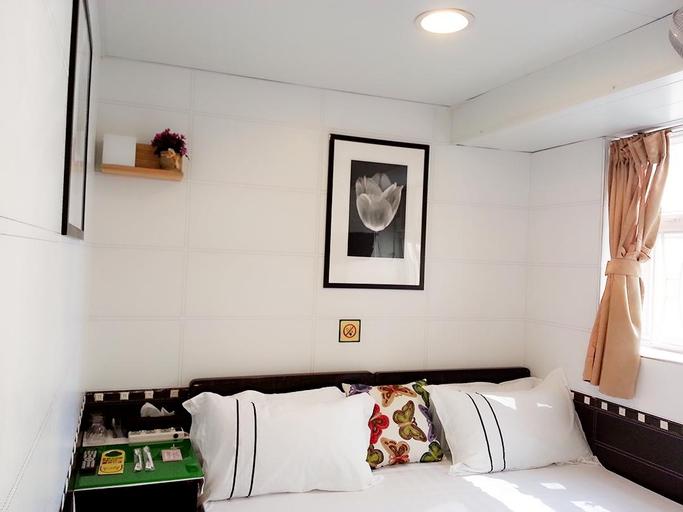 Golden Crown Court Pearl Harbour Guest House, Yau Tsim Mong