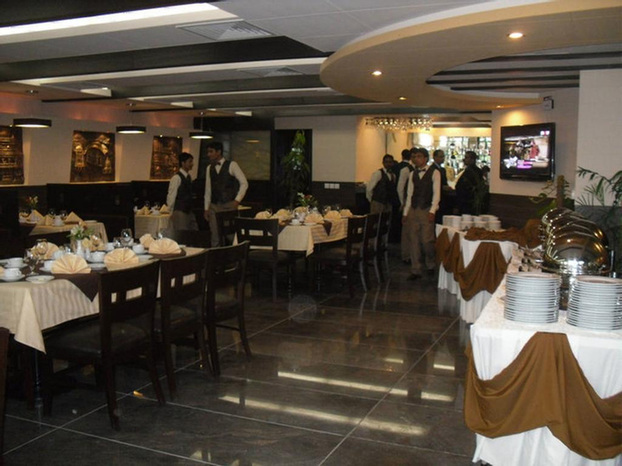 Heaven Hotel, Lahore