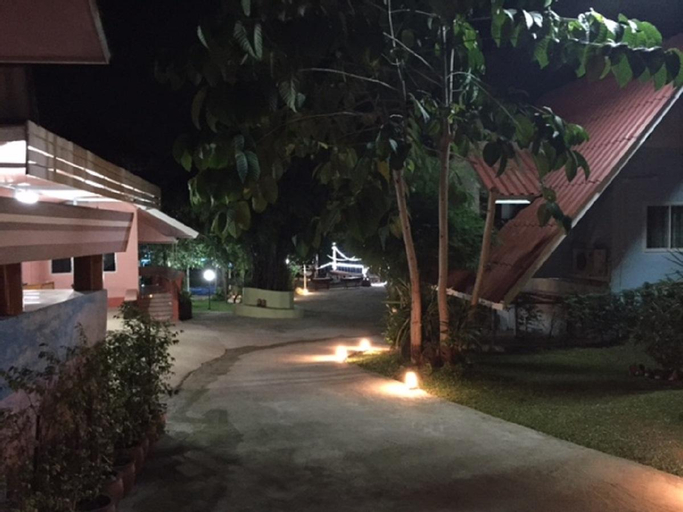 Lollop Resort, Ban Pong