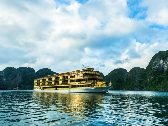 Golden Cruises, Hạ Long