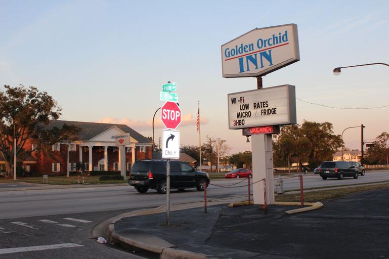 Golden Orchid Inn, Osceola