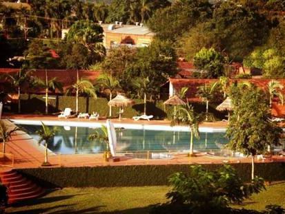 Le Club Hotel, Encarnación