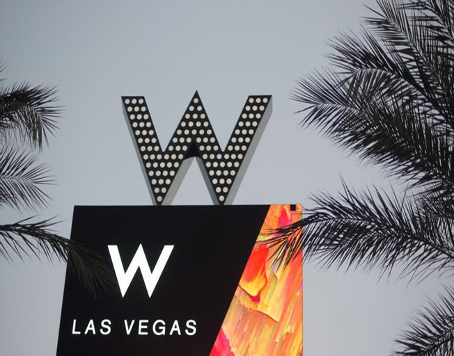 W Las Vegas, Clark