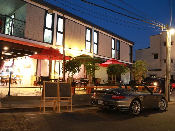 88st Guesthouse N Cafe, Jongro