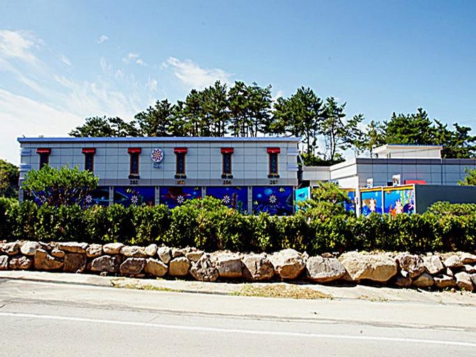 Sol Motel, Buan