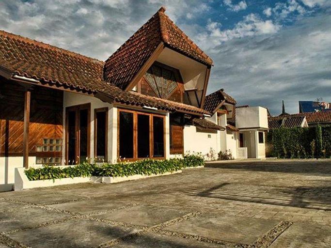 Tujuh Bidadari Holiday Home, Bandung