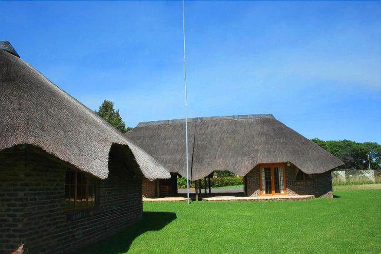 African Flair Country Lodge, Gert Sibande