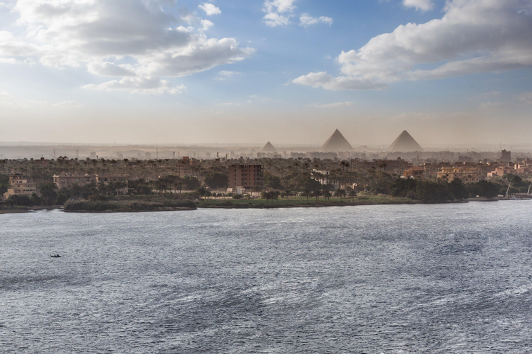 Holiday Inn Cairo Maadi, Al-Khalifa