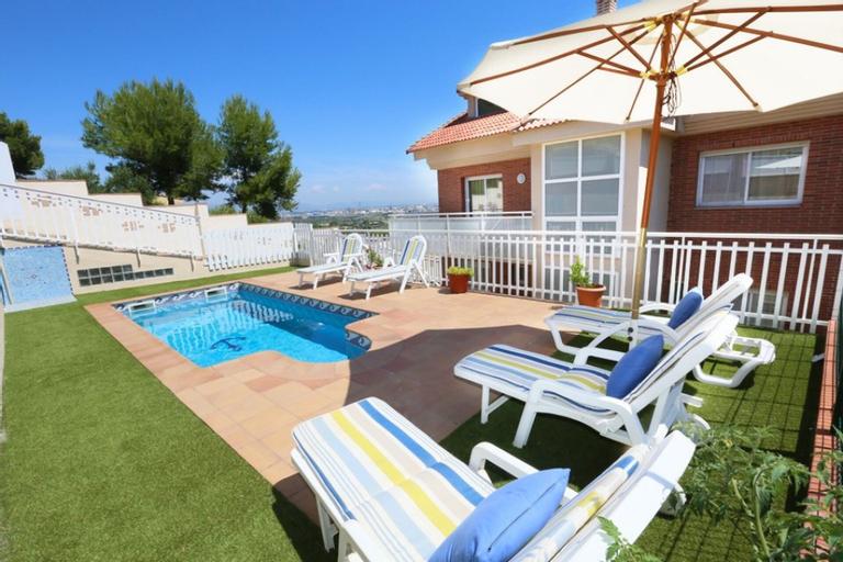Villa Ideal Familias Para 12 Personas en La Pineda, Tarragona