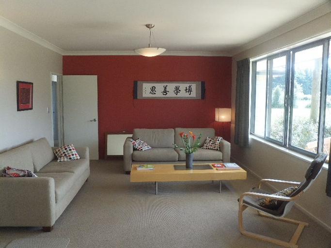 Christchurch Airport Country Home, Selwyn