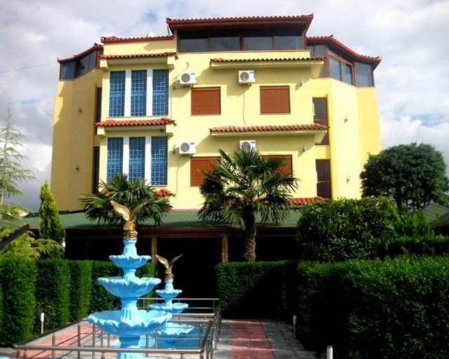 Hotel Bardhi, Kuçovës