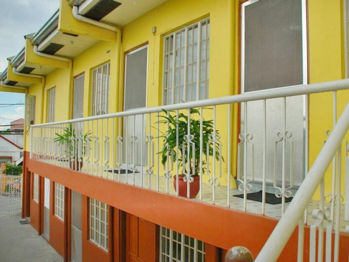 Hive Manila Guesthouse, Bacoor