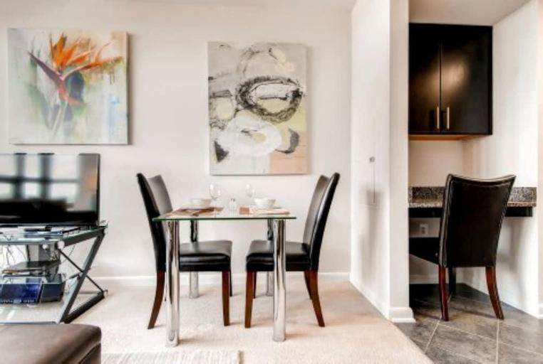 Global Luxury Suites at Fair St, Arlington