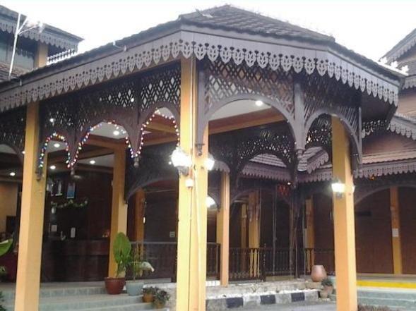 Green Village Pasir Salak Eco River Resort, Perak Tengah