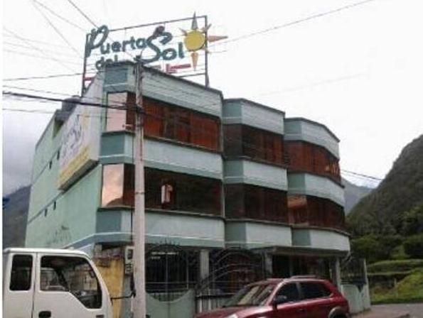 Hotel Puerta del Sol, Baños