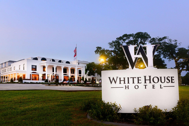 White House Hotel, An Ascend Hotel Collection Member, Harrison