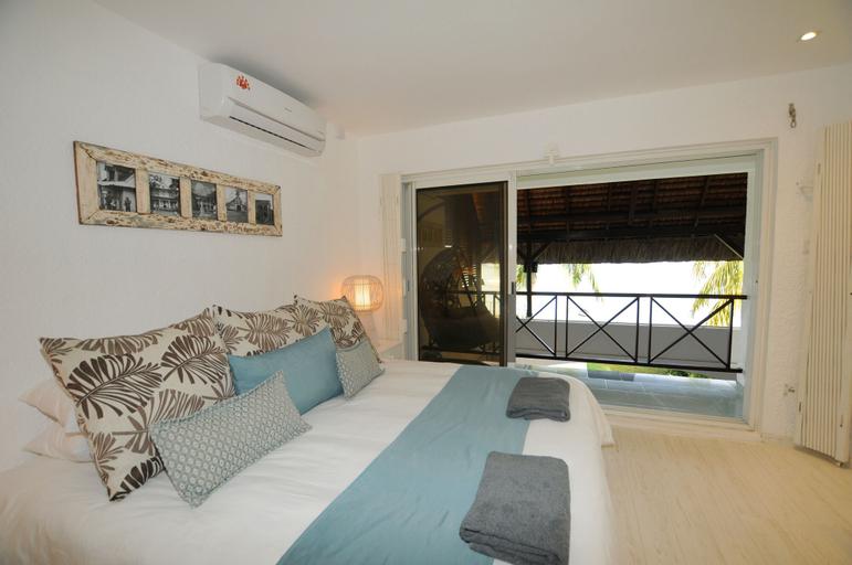 Villa Caro's Beachfront,
