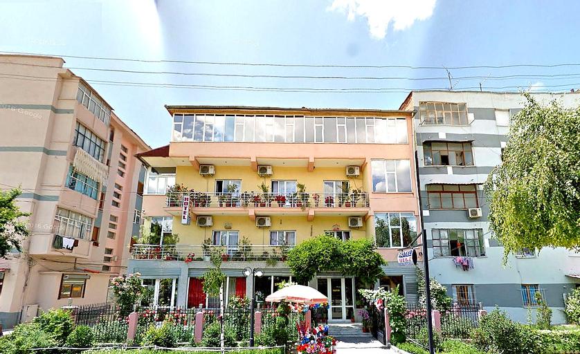 Gili Hotel, Korçës