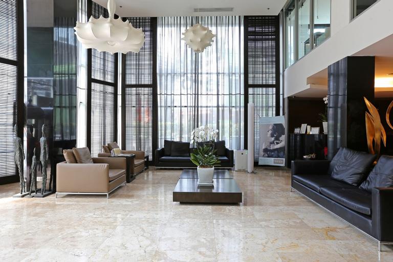 S15 Sukhumvit Hotel, Khlong Toey