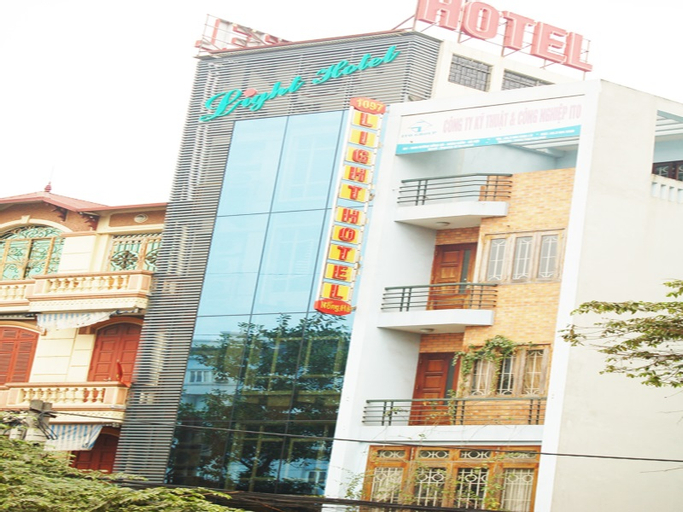 Light Hotel, Hai Bà Trưng