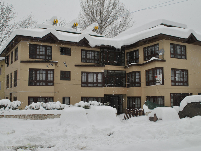 Hotel Fifth Season, Anantnag