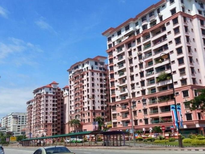 KK City Holiday Suites at Marina Court Resort Condominium, Kota Kinabalu