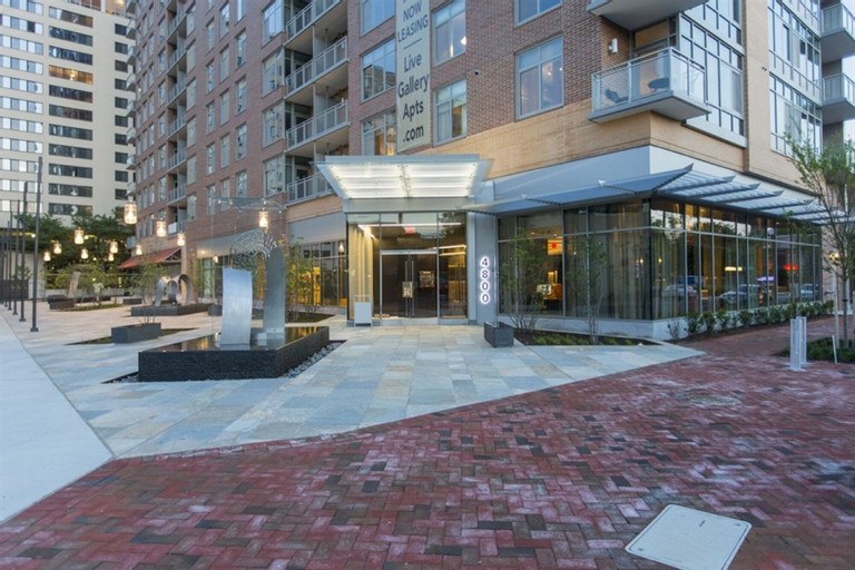 Global Luxury Suites at Woodmont Triangle North, Montgomery