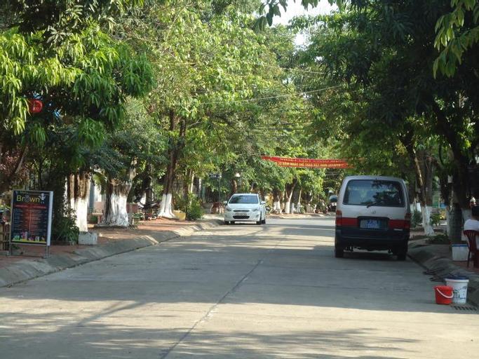 Dozy Hostel, Đồng Hới