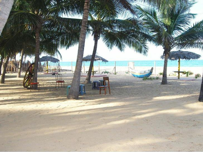 Hotel Sea Sand, Alayadiwembu