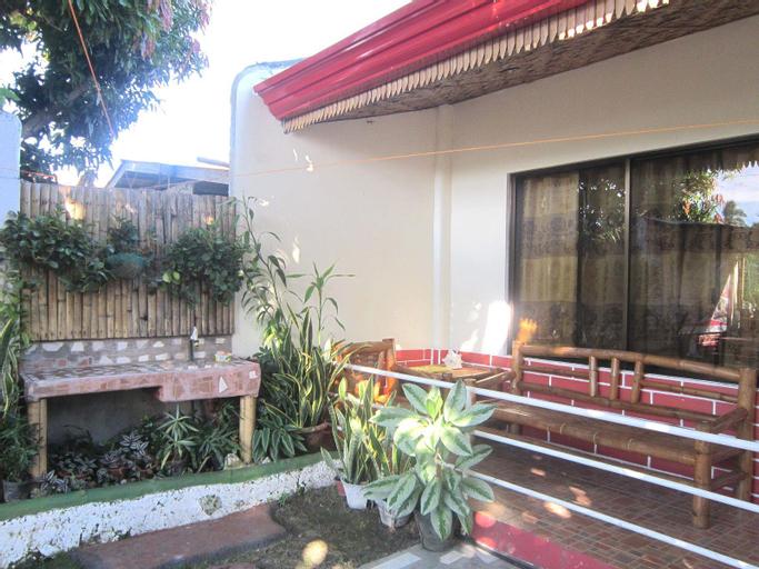 Myrnas Homestay, Mambajao