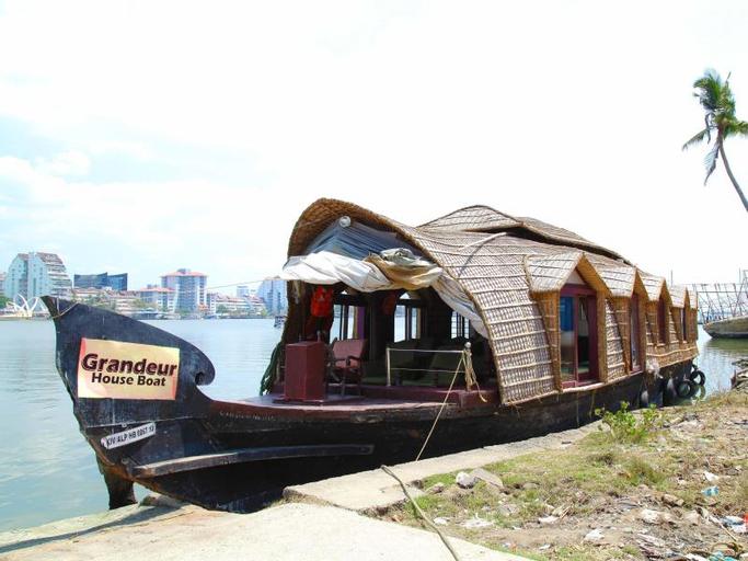 Grandeur Houseboats, Alappuzha