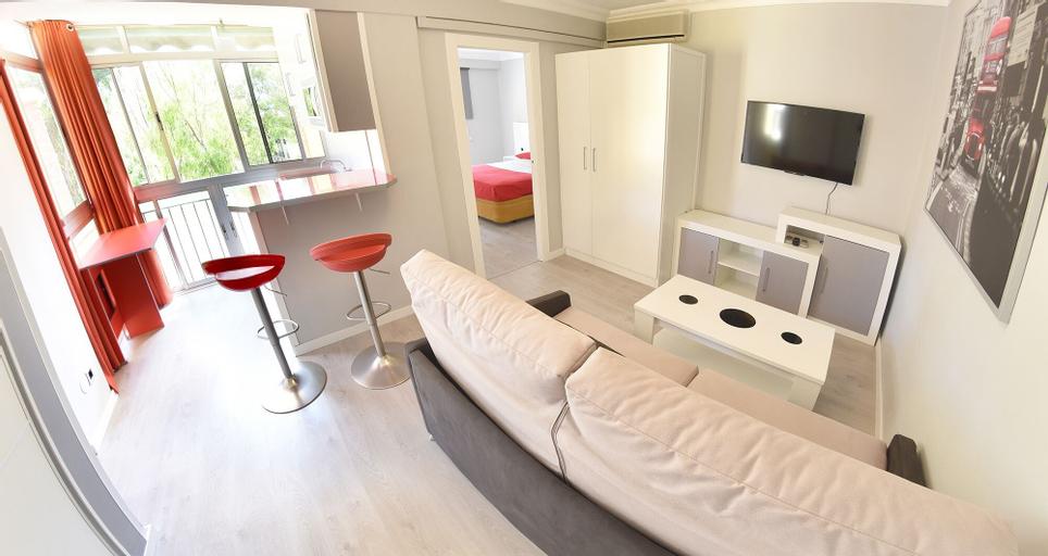 Apartamentos Los Alamos - Playa, Málaga