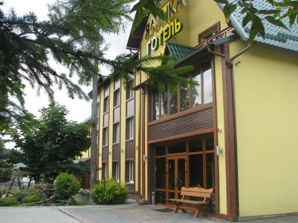 Yalynka Hotel, Dolyns'kyi
