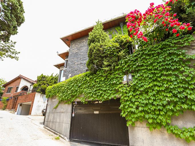 Guest J House, Seongbuk