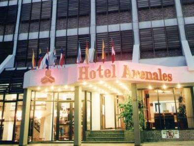 Hotel Arenales, Capital