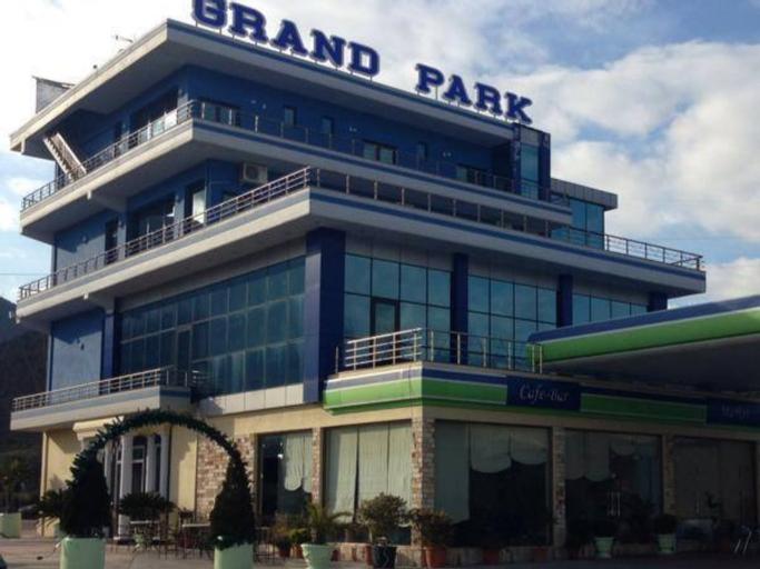 Grand Park Hotel, Gjirokastrës