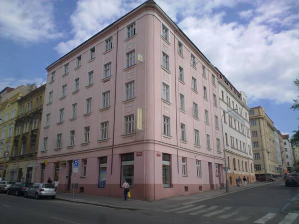 Bona Serva, Praha 8