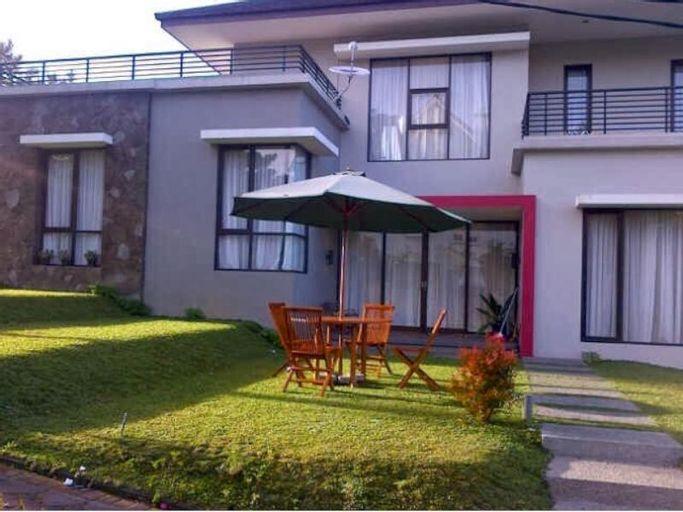 Villa Qfa Syariah, Bandung