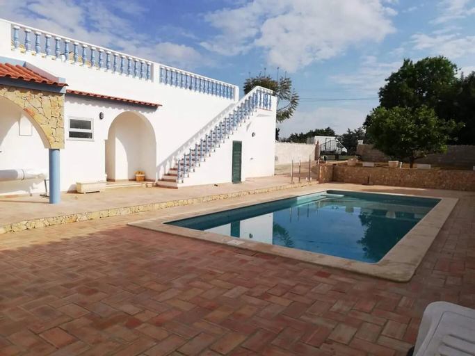 House With 3 Bedrooms in Vila Nova de Cacela, With Shared Pool, Enclosed Garden and Wifi - 1 km From the Beach, Vila Real de Santo António