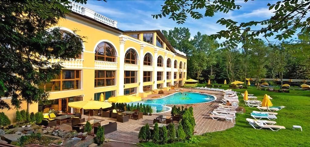Royal Grand Hotel (Truskavets), Drohobyts'ka