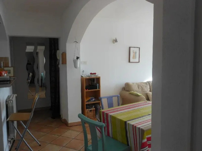 Apartment With one Bedroom in Toulon, With Wonderful sea View, Furnished Balcony and Wifi - 3 km From the Beach, Var