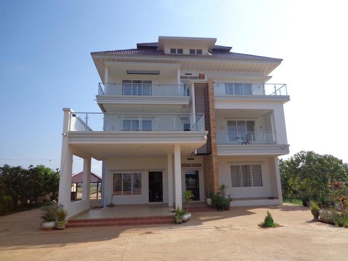 Romdoul Farm Residence, Santuk