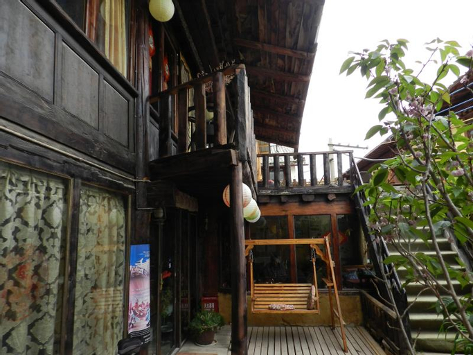 Shangri-La Timeless Inn, Dêqên Tibetan