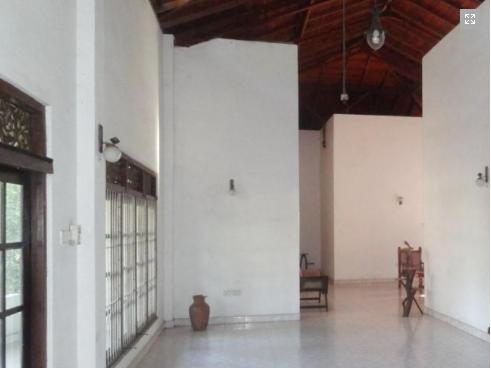 Hotel Dambadeniya, Narammala