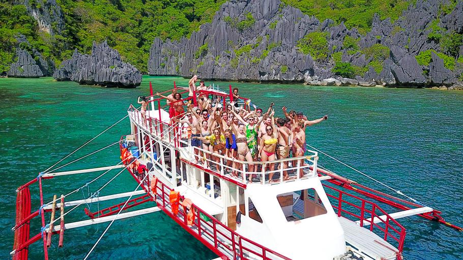 El Nido Party Boat Expeditions, El Nido